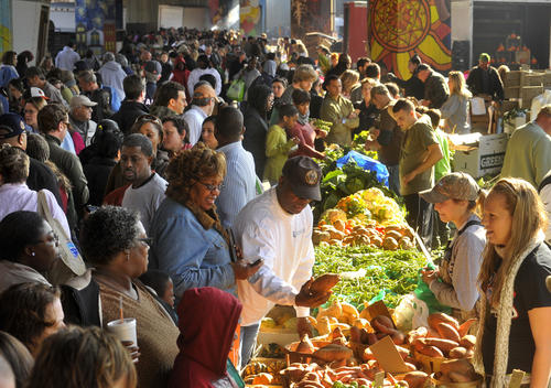 bal-pictures-10-spot-baltimore-farmers-market--006-amy_davis